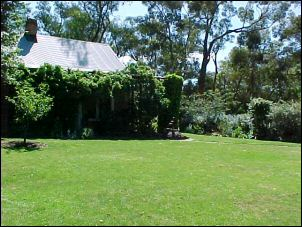 Schwerkolt Cottage, garden wedding, Melbourne wedding celebrant
